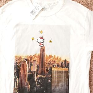 NWT Hello Kitty on Eiffel Tower Sanrio T Shirt